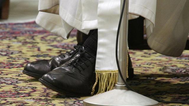 scarpe papa francesco