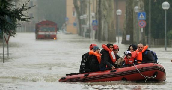 27955844_alluvione-nel-modenese-albergatori-solidali-0