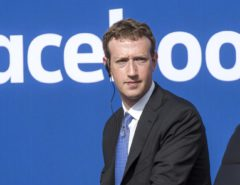 mark zuckerberg facebook perplesso