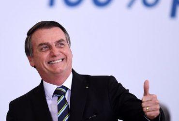 La comunicazione di Bolsonaro tra la foresta amazzonica e PlayStation