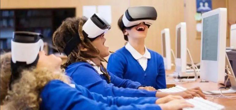 La scuola deve essere alla base della digitalizzazione delle persone