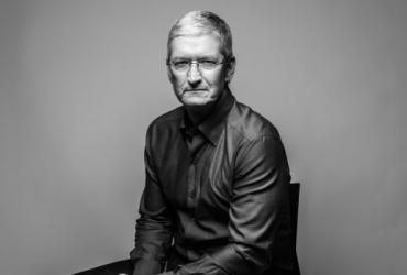 il CEO di Apple Tim Cook si è apertamente schierato contro Mark Zuckerberg e Facebook senza mai citarlo